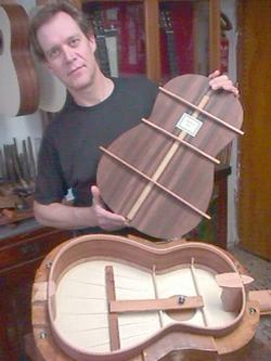 Exposici n de guitarras flamencas en granada for Bernd martin
